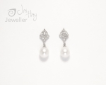 Dia pearl earrings
